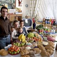 Photos de Peter Menzel: Que mangent-ils en une semaine?